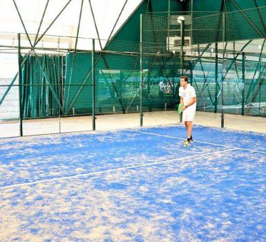 giocatore di padel tennis